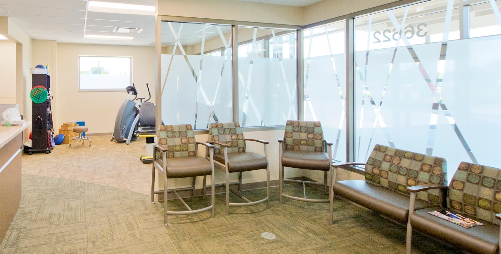 SJMH-Mendelson-Kornblum-Orthopedics-MOB-Physical-Therapy-1665x845