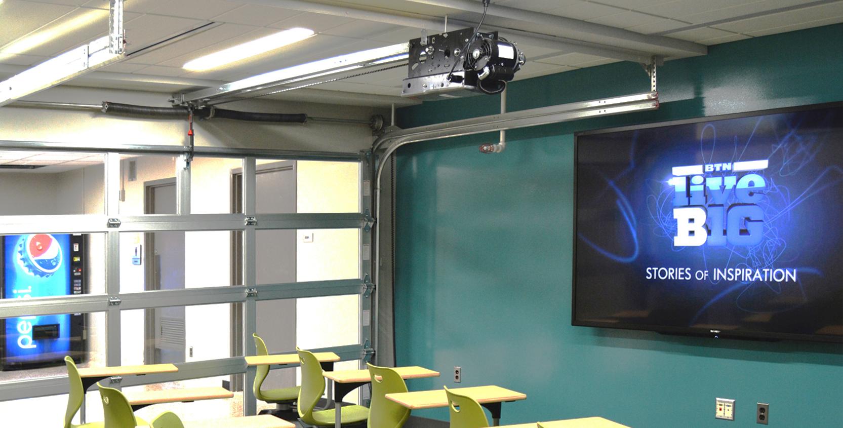 Michigan-State-University-Wilson-Hall-Creative-Commons-Classroom-2-1665x845