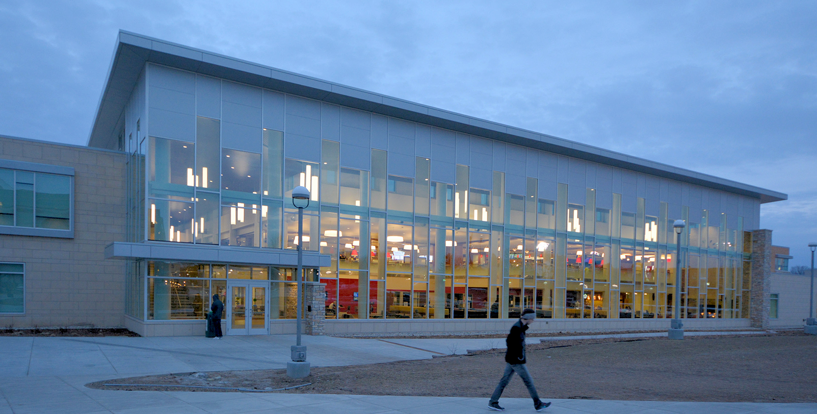 Ferris-State-University-University-Center-Exterior-Dusk-1665x845