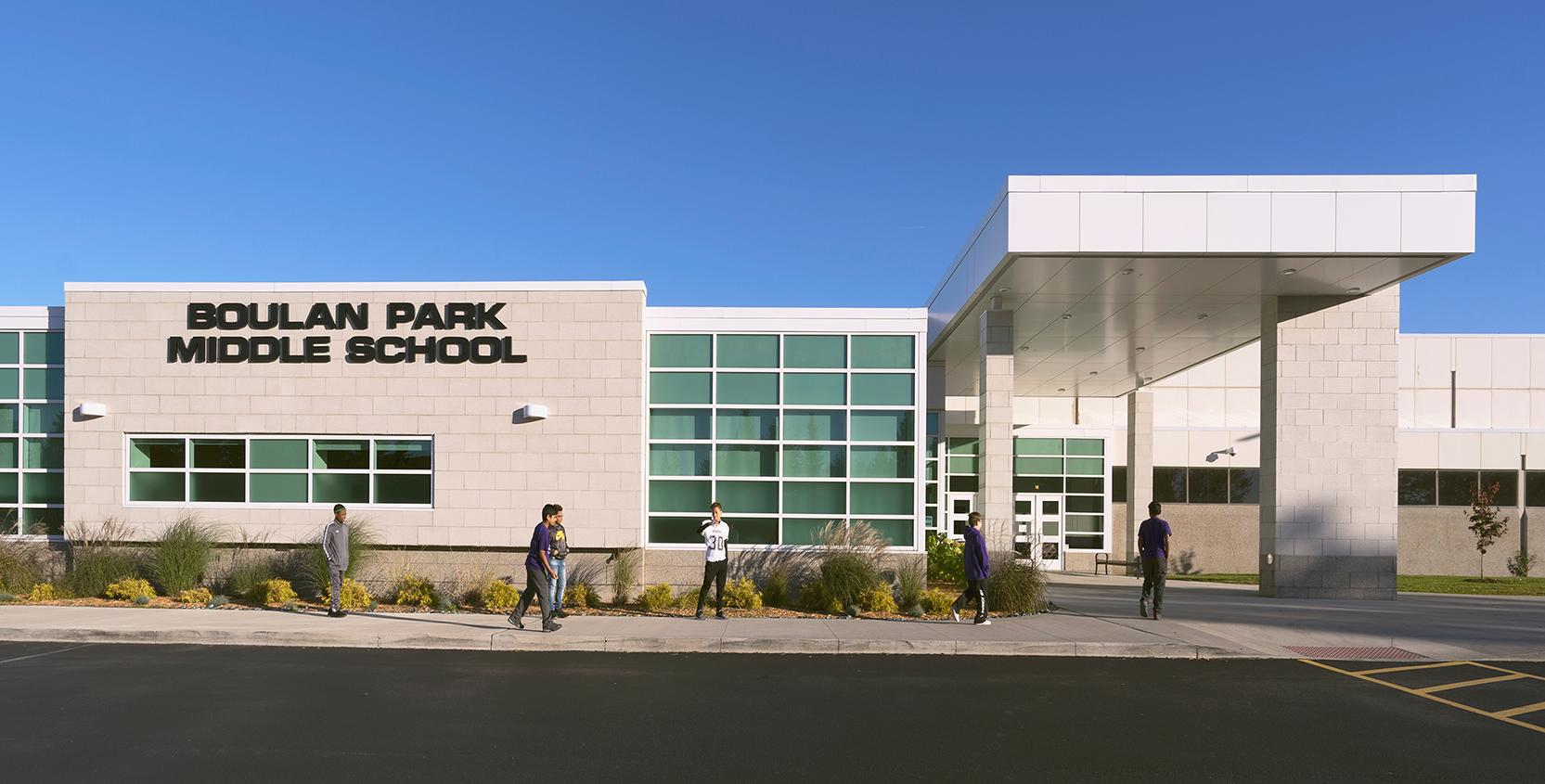 Troy-Public-Schools-Boulan-Park-MS-Exterior_1665x845