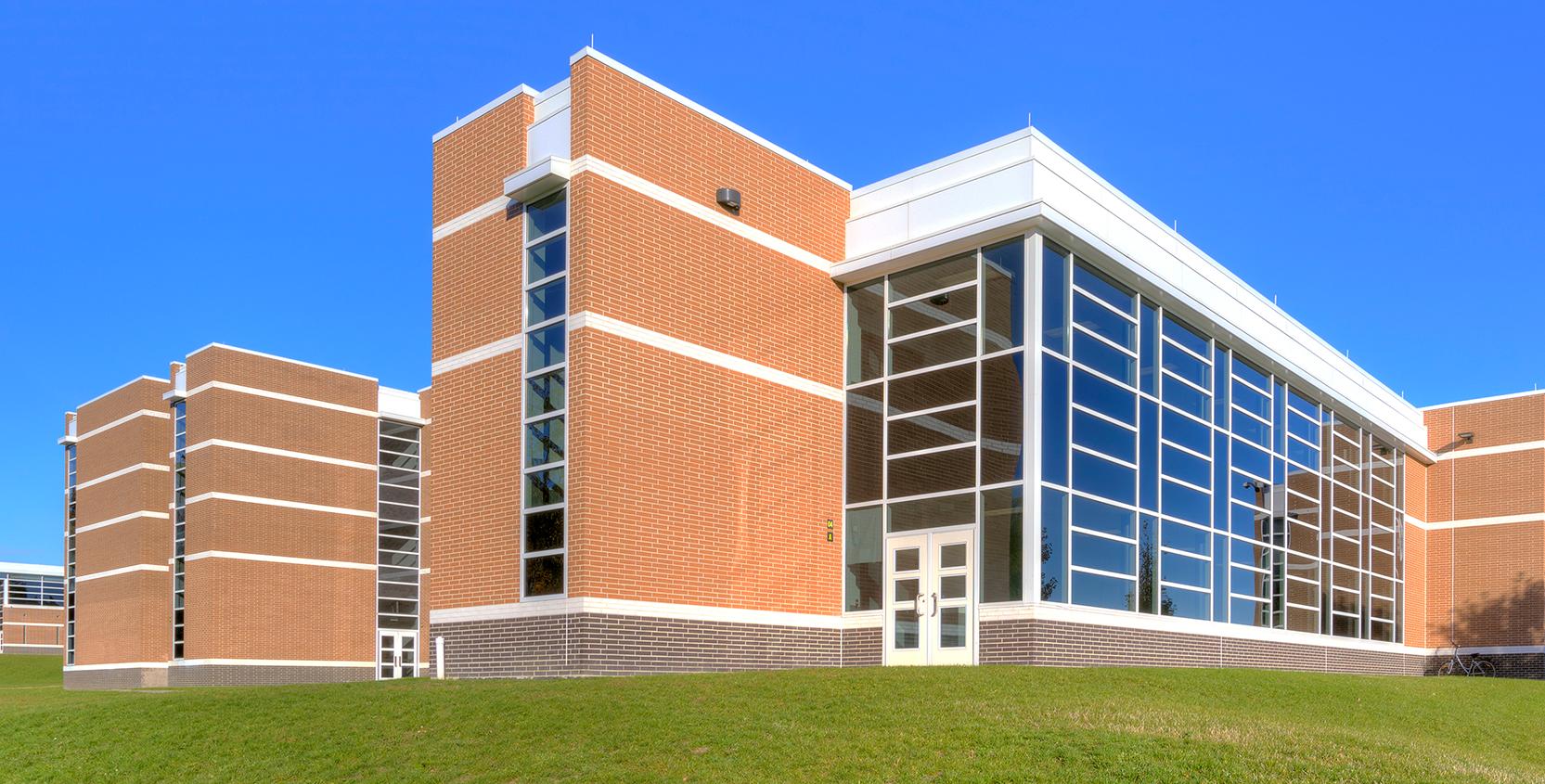 Troy-Public-Schools-Troy-HS-Exterior-Day_1665x845