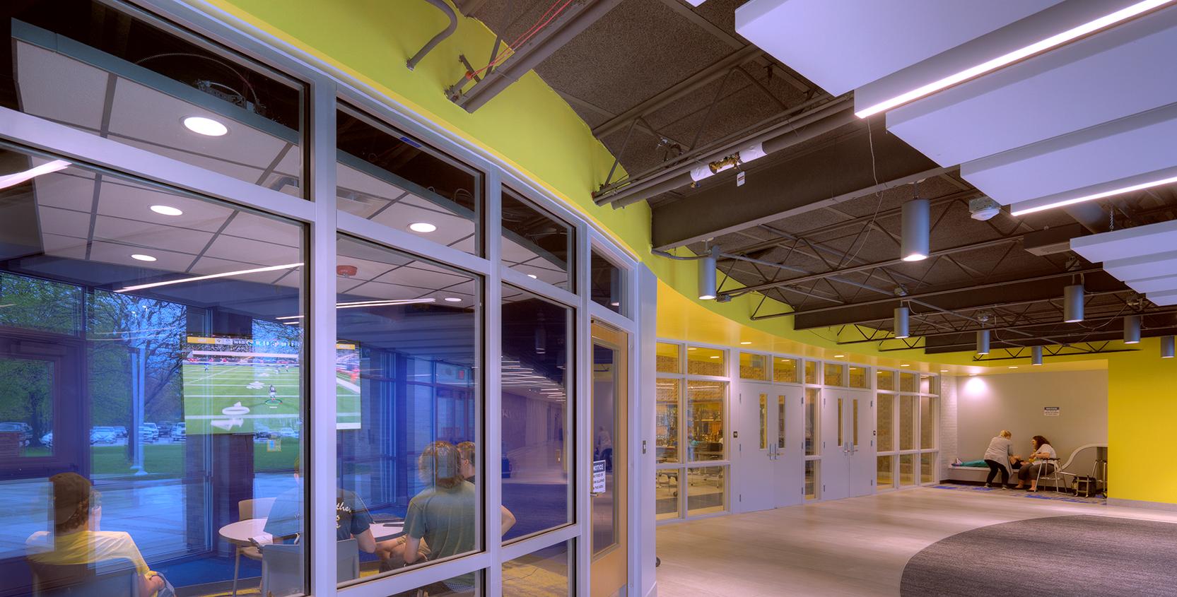 Port-Huron-Northern-High-School-Renovation-Classroom-Corridor-2-1665x845