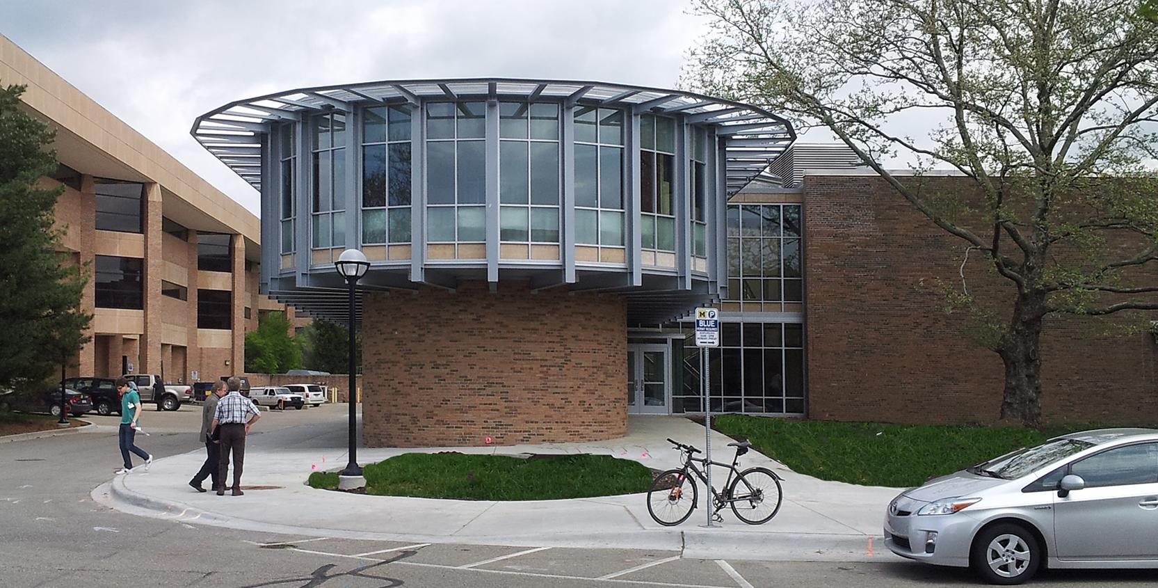University-of-Michigan-Michigan-Memorial-Phoenix-Lab-Exterior_1665x845