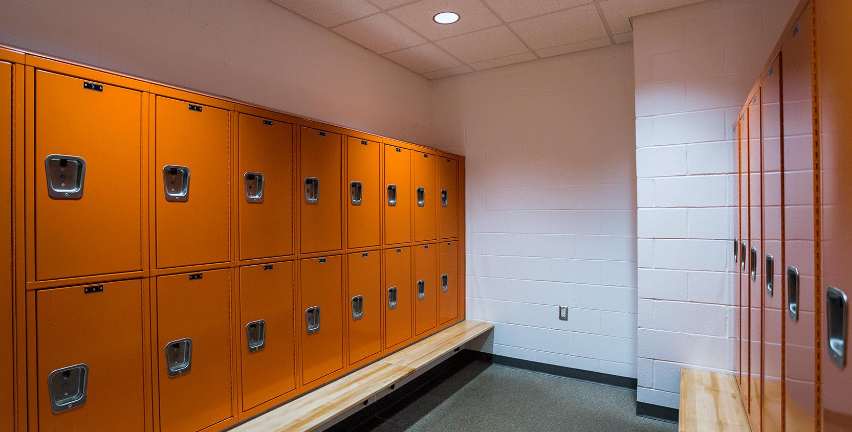 Kalamazoo-College-Fitness-&-Wellness-Ctr-Locker-Room-1665x845