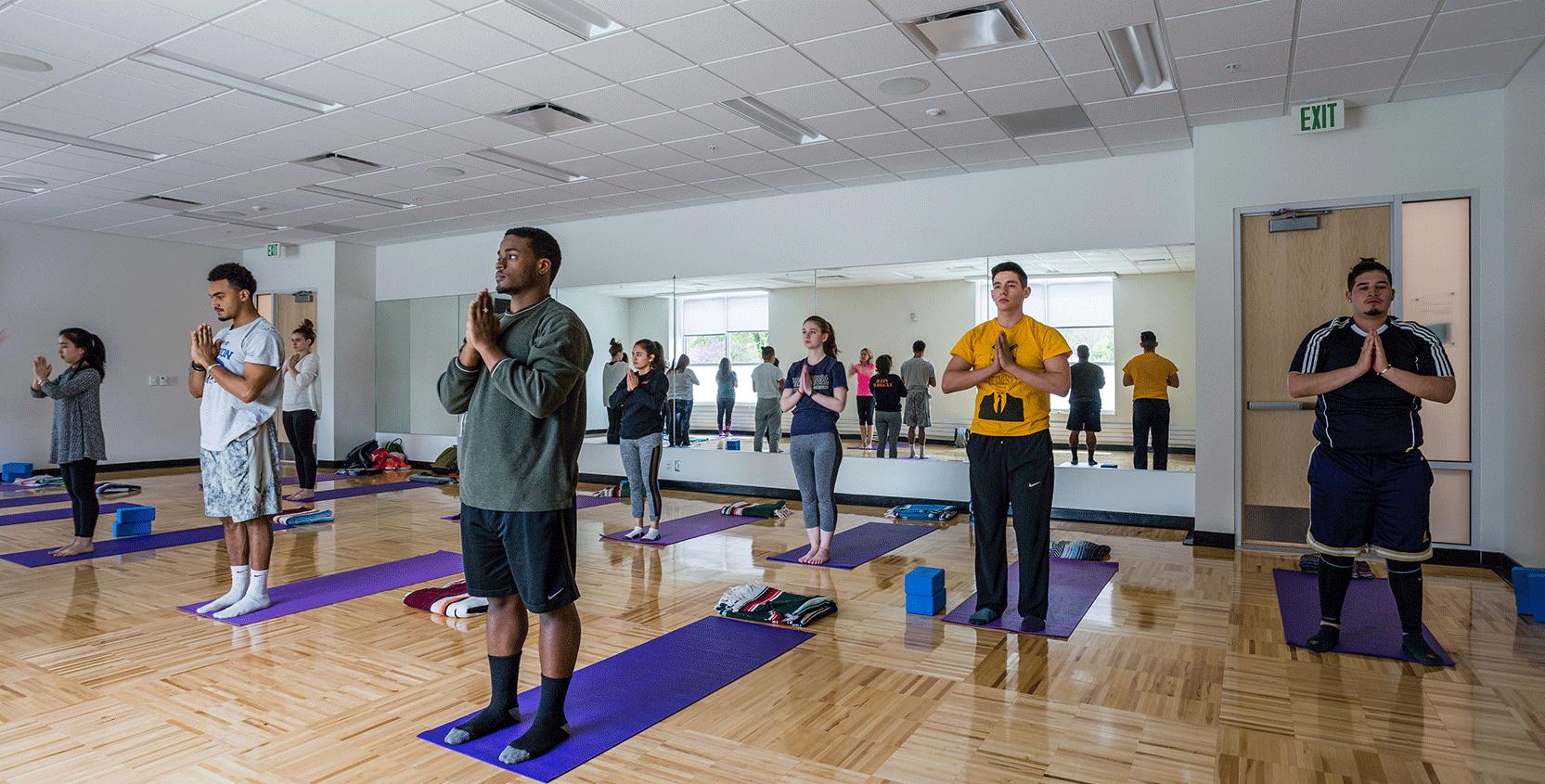 Kalamazoo-College-Fitness-&-Wellness-Ctr-Yoga-Room-1665x845